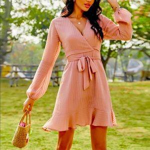 HOST PICK❣️ NWOT Pink Wrap Dress Sz XS